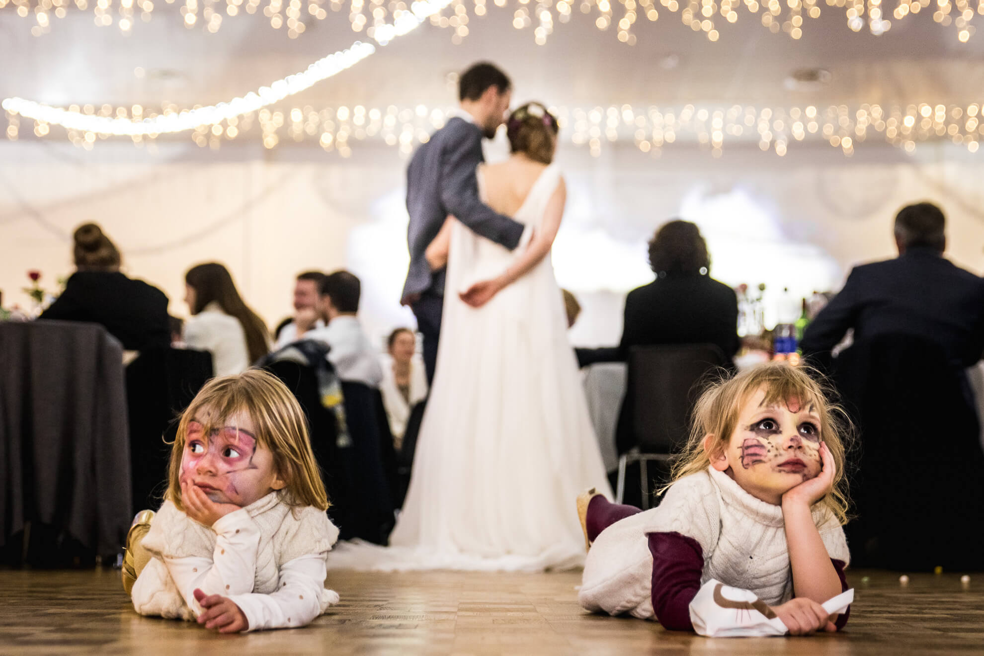 Enfants maquillés a un mariage